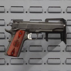 SecureIt-Display-Mount-Pistol-Pegs-02